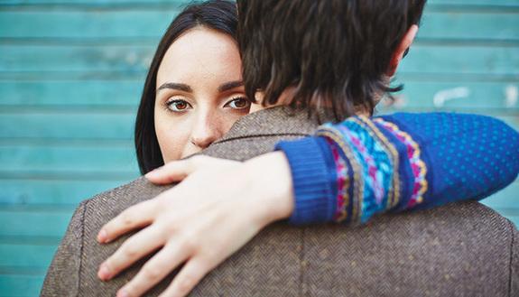 Gelosia, controllo e possessività: non sempre sono dimostrazione di amore