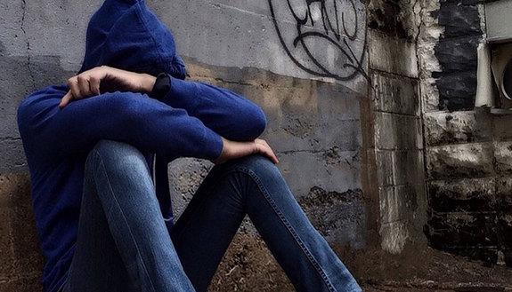 Branco abusa di un 13enne con disabilità: tutti minorenni