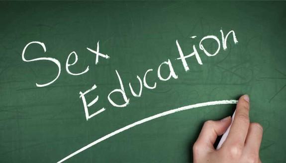 Educazione sessuale a scuola? La prof di scienze si oppone