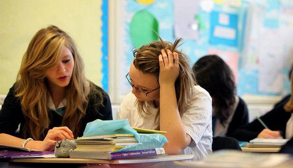 Lavorare in gruppo? Studenti italiani bocciati, meglio le ragazze