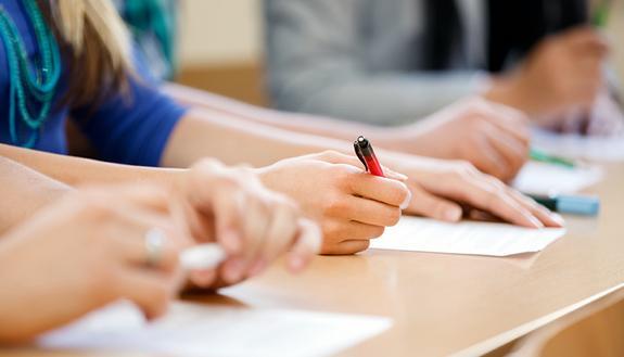 Maturità 2019: usare i verbi senza sbagliare nel tema di prima prova