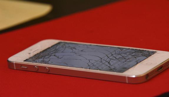 Smartphone rotto? Ecco i consigli su come farlo risuscitare