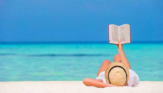 """Compiti delle vacanze, i 10 libri più  """"sbirciati"""" sul web: Pirandello re dell'estate 2018"""