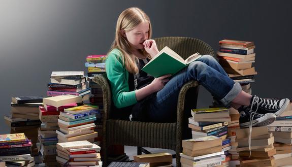 """Back to school: i 10 libri che gli studenti stanno """"sbirciando"""" di più su Skuola"""