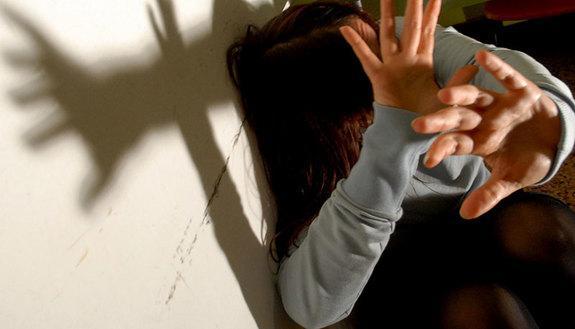 Bidello arrestato ad Ancona, molestava le studentesse