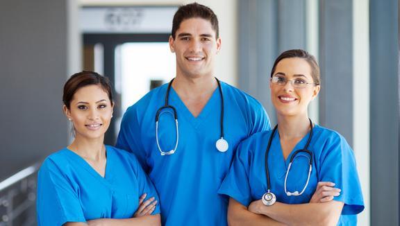 Professioni Sanitarie 2019: più posti, meno iscritti. Ma a Fisioterapia le chance rimangono poche