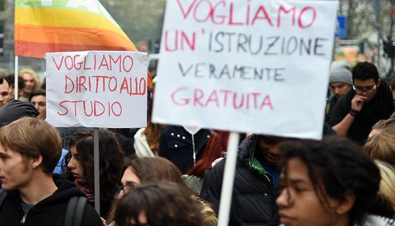 Alternanza scuola lavoro: studenti in piazza 8 novembre