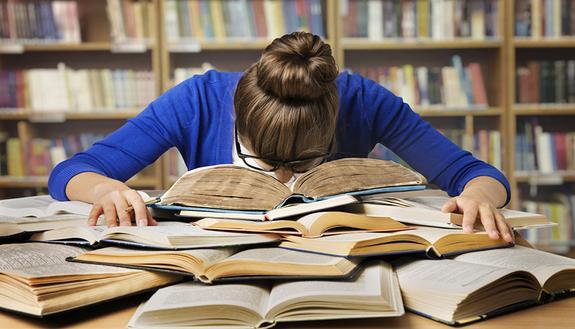 Devi studiare 200 pagine in meno di un'ora? Ecco la tecnica risolutiva