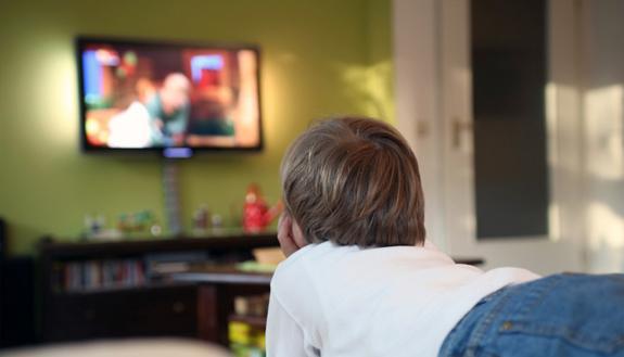 Vuoi andare bene a scuola? Devi guardare poca Tv