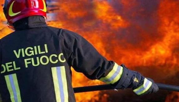 Danno fuoco alla scuola: avevano paura di essere bocciati