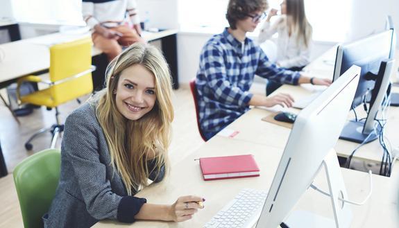 Alternanza scuola lavoro, si taglia il 50% delle ore