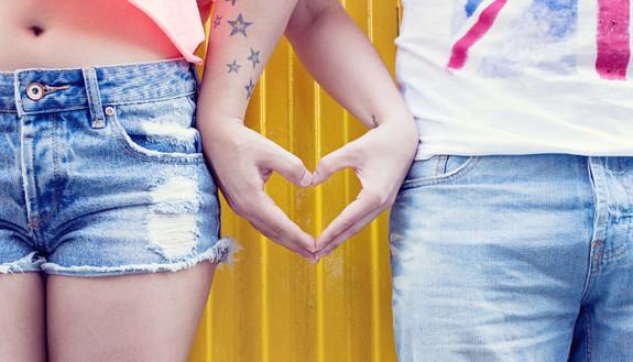 """Giovani e sesso: 1 su 2 """"bocciato"""" sulle malattie sessualmente trasmissibili.  Ma la scuola potrebbe fare la differenza"""