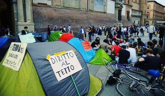 Sciopero studenti 8 novembre: non ci sono posti letto, universitari in piazza