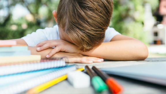 Primo giorno di scuola, e i compiti delle vacanze? Lasciati a metà