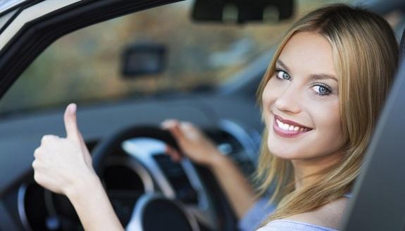 Motorino, microcar o automobile? Pro e contro per fare la scelta giusta