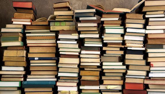 Libri usati a Genova, dove vendere e comprare libri scolastici: mercatino e librerie