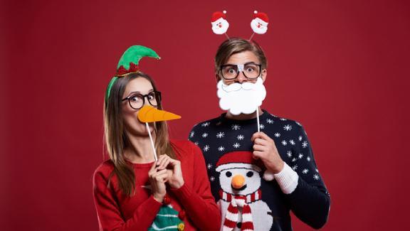 Gli outfit più assurdi che puoi indossare solo sotto Natale