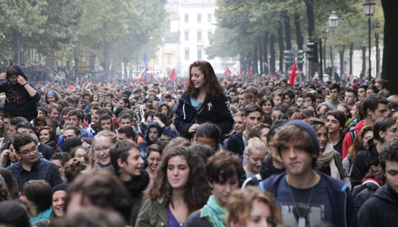 Studenti in piazza contro la guerra in Siria: annunciate occupazioni