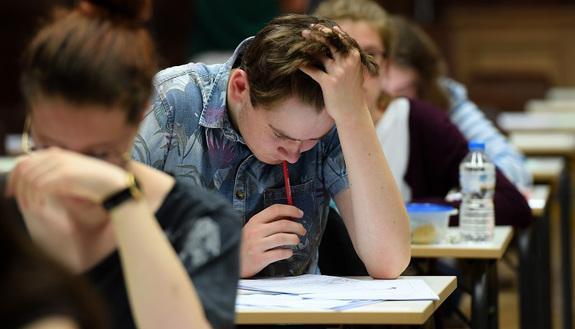 Soluzione problema 2 simulazione Seconda Prova 2 aprile Scientifico: Matematica e Fisica