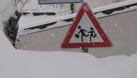 Gelo e neve: ritorno a scuola a rischio il 7 gennaio?