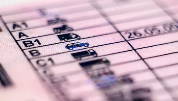 """Microcar: 5 cose da sapere per chi vuole guidare la """"macchinetta"""""""