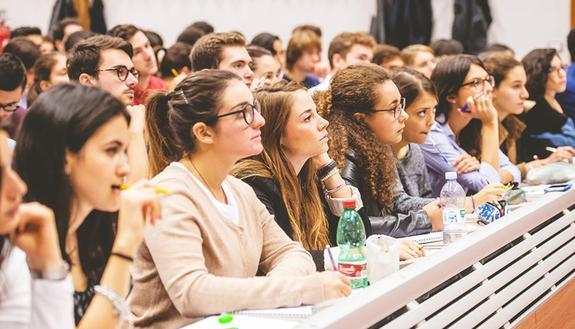 Scuola Trasparente, la campagna per rendere gli studenti dei cittadini più consapevoli
