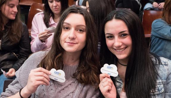 L'educazione sessuale non è più un tabù: dopo il tour nelle scuole, scopri il video virale Skuola.net e Durex