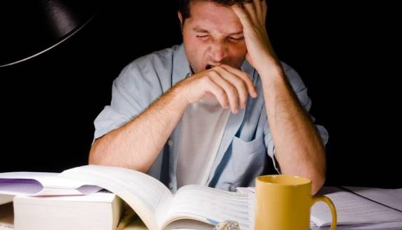 Studi sempre di notte? I consigli per farlo in maniera efficace
