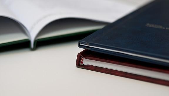 La studentessa copia interamente la tesi: interrotta la seduta di laurea