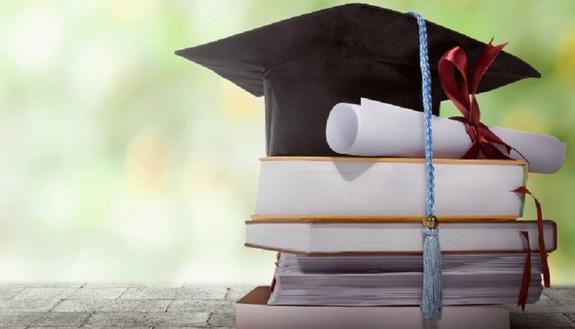 Come funziona la laurea: scadenze, scrittura, discussione