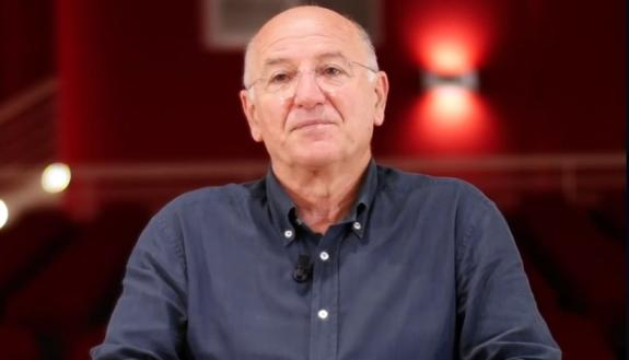 """""""White Mirror"""", gli scienziati più importanti d'Italia si raccontano: intervista al Prof.re Roberto Defez"""