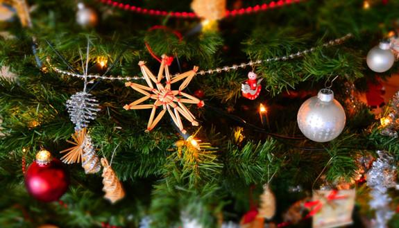 Il Natale a scuola? È multiculturale: per 2 studenti su 5 niente albero né presepe in classe