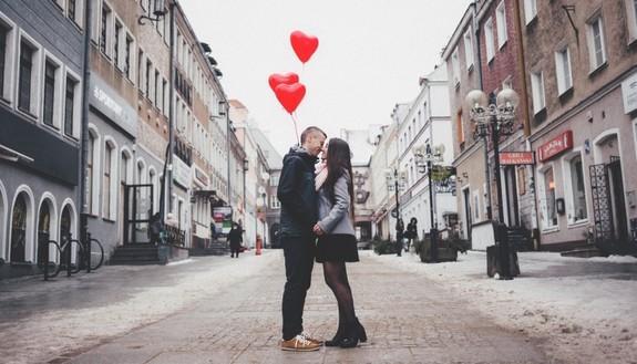 Come festeggiare San Valentino se si ha una relazione a distanza?