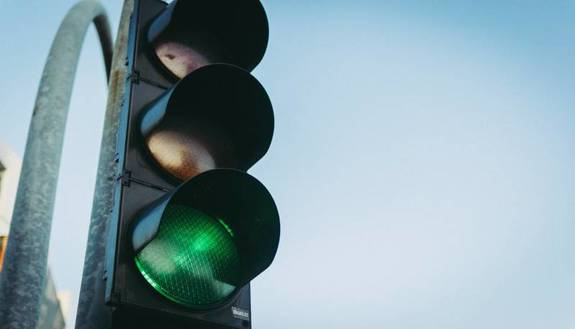 Ritorno a scuola con semaforo: verde ok, rosso si sta a casa