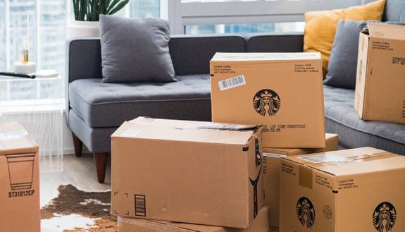 Amazon avverte: ordinate i regali di Natale in anticipo