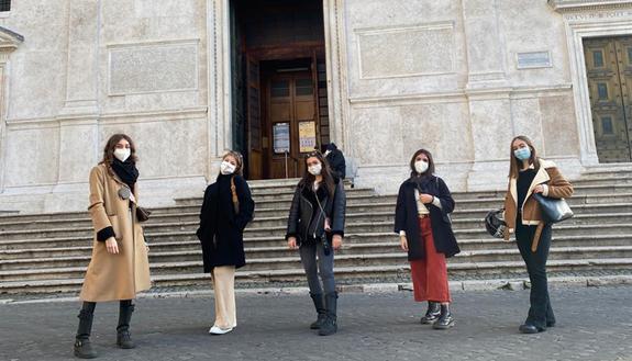 La lezione di Arte in Dad diventa una passeggiata al centro di Roma