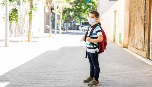 Mascherine a scuola: saranno quasi 9 tonnellate di rifiuti da smaltire in un anno