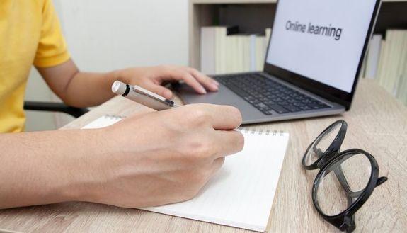 Lezioni a distanza all'università: i consigli anti-noia per mantenere la concentrazione