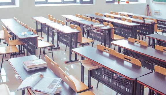 Il ministero dell'Istruzione: si tornerà a scuola il prima possibile