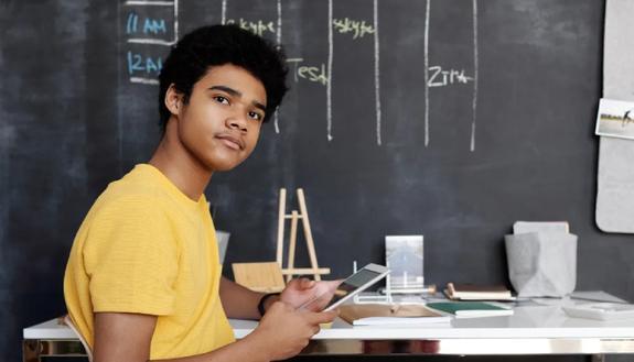 Marche calendario scolastico 2020/2021: ritorno a scuola, feste e ponti