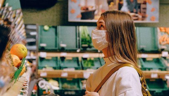 Coronavirus, la spesa a turni in base al cognome: ecco cosa sta succedendo