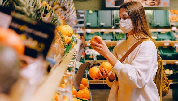 Coronavirus, le app per evitare la fila al supermercato
